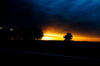 Couché de soleil sur la route