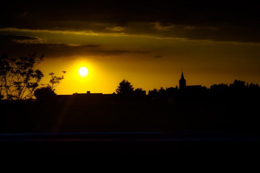 2013_05 Crépuscule sur la route